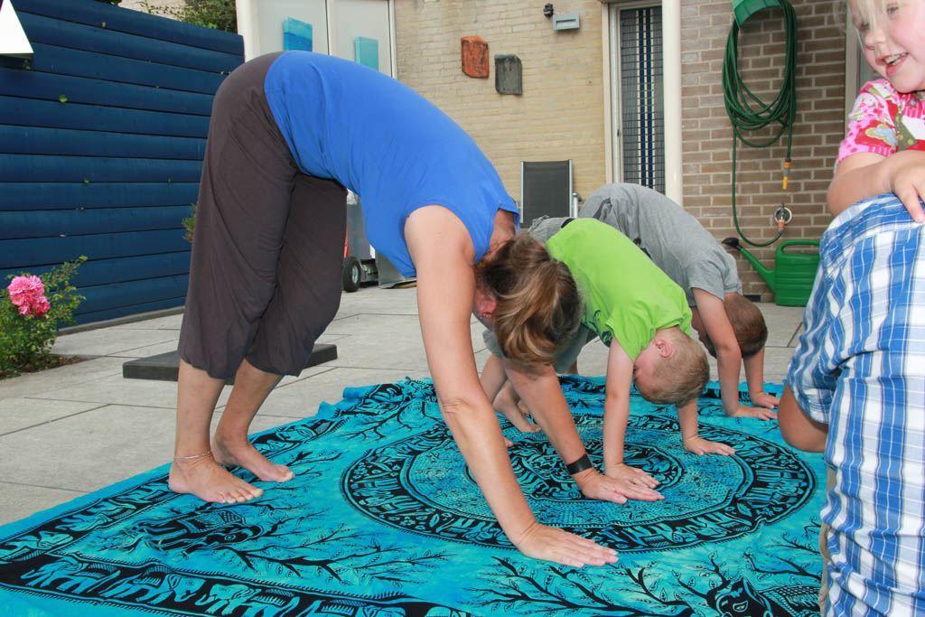 kinder-yoga-1