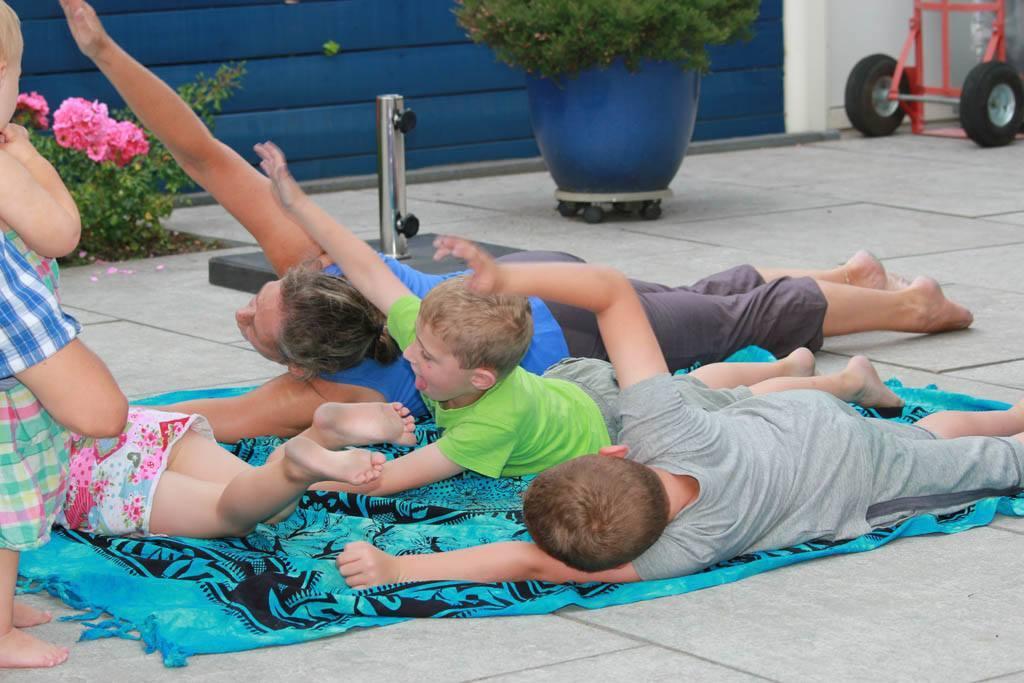 kinder-yoga-2